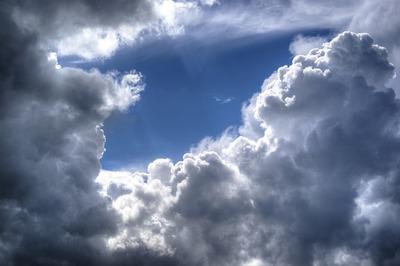 cloudscape-384672_640.jpg
