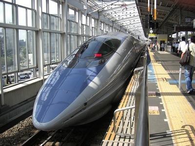 bullet-train-66091_640.jpg